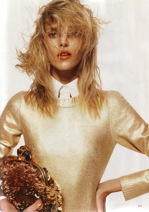 Съёмка: Аня Рубик для британского Vogue. Изображение № 6.