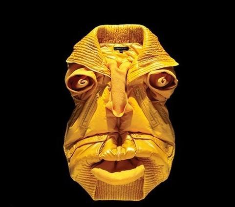 Лица, нарисованные одеждой, отBela Borsodi. Изображение № 3.