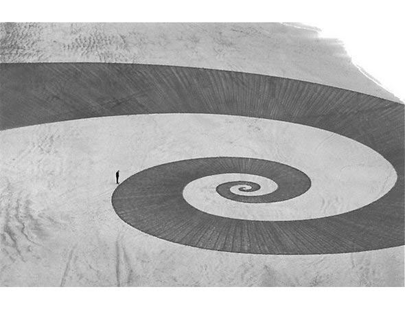 Новая земля: Гид по современному ленд-арту. Изображение № 82.
