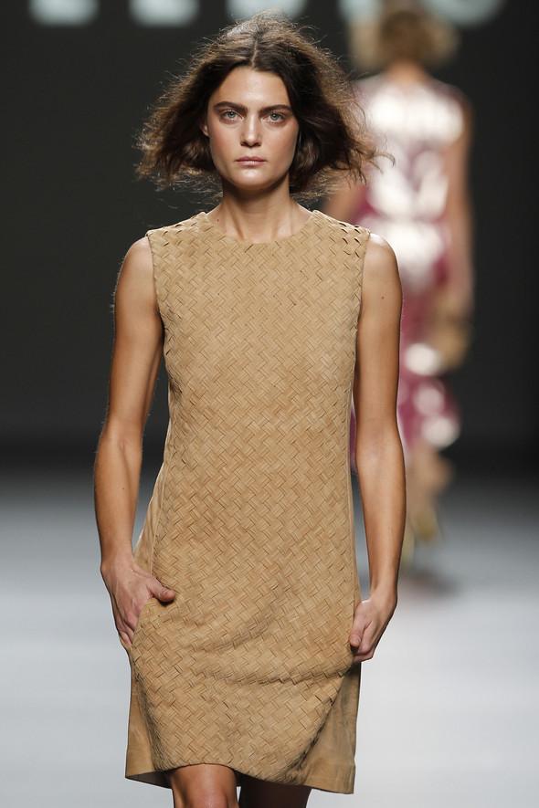 Madrid Fashion Week SS 2012: Teresa Helbig. Изображение № 7.