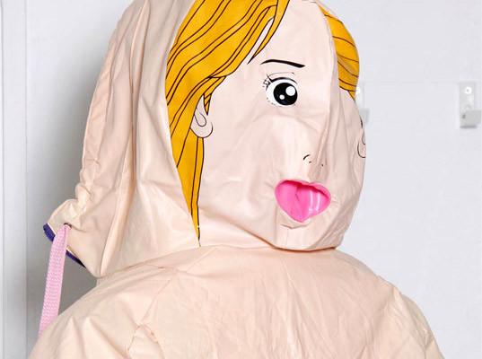 Одежда из надувных кукол. Изображение № 6.