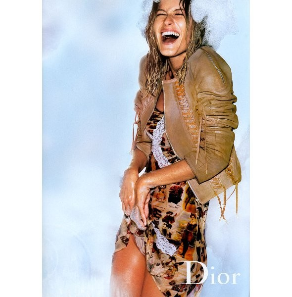 Архивная съёмка: Жизель Бундхен для кампании Dior SS 2002. Изображение № 4.