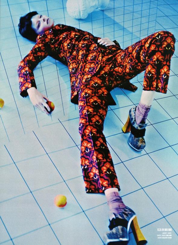 Стоп-кадр: Новые съемки Love, Russh, Vogue и V. Изображение № 78.