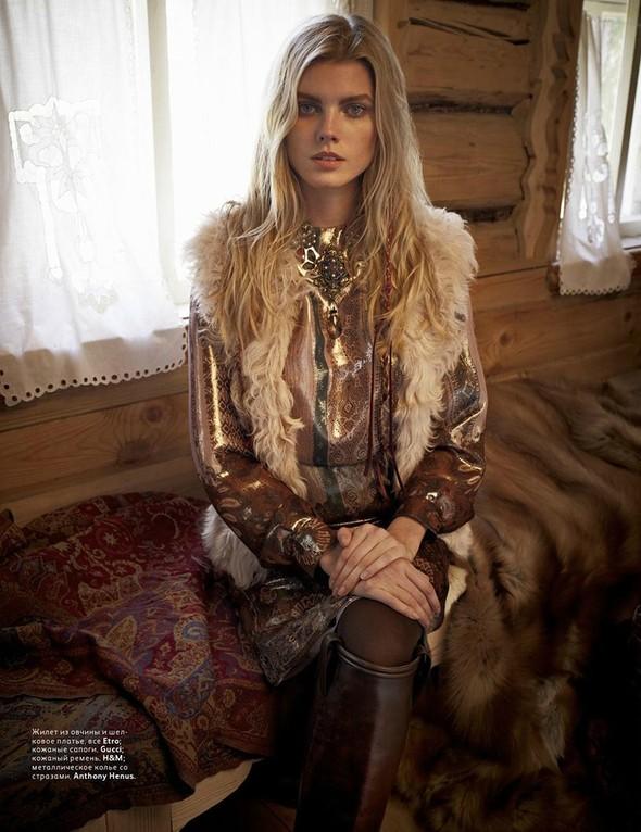 Съёмка: Марина Линчук для российского Vogue. Изображение № 6.