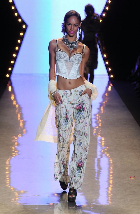 New York Fashion Week: Betsey Johnson Spring 2012. Изображение № 29.