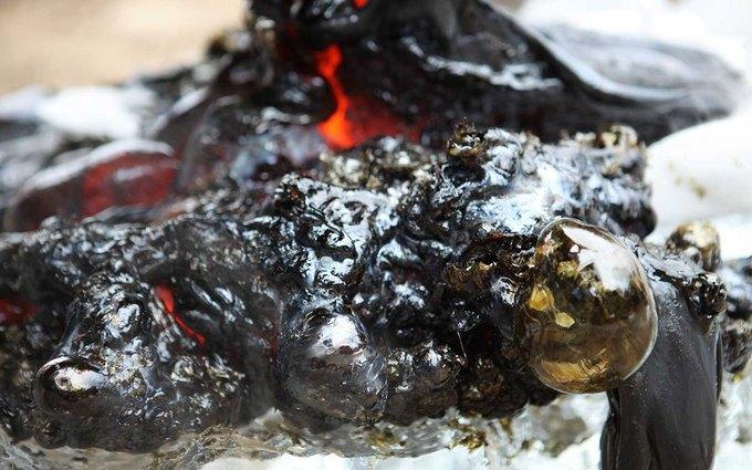 Повара приготовили стейк на искусственной лаве с температурой 1149 °С . Изображение № 8.