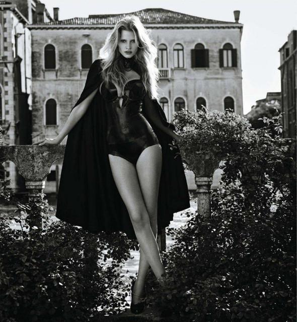 Съёмка: Лара Стоун в объективе Марио Сорренти. Изображение № 2.