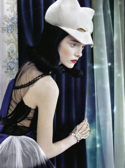 Neo-Romantic byEmma Summerton, Vogue Italia, june 2009. Изображение № 7.