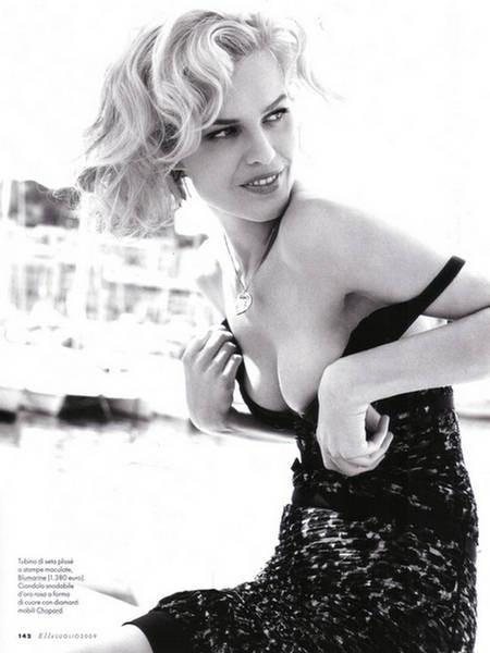 EvaHerzigova, Elle Italy July 2009. Изображение № 2.