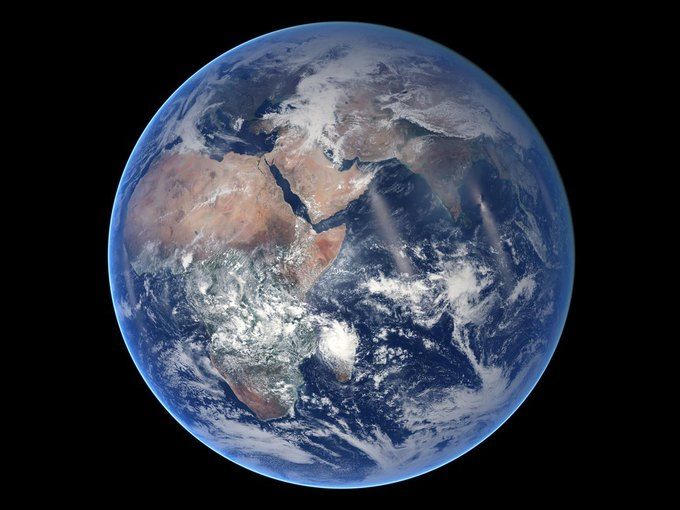 Восточное полушарие Земли. Снимок спутника Suomi NPP. Изображение № 1.