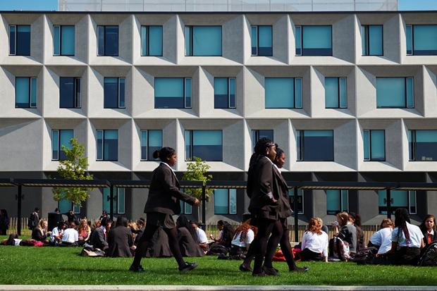 Школа в Бёрнтвуде (Англия) / Allford Hall Monaghan Morris. Изображение № 5.