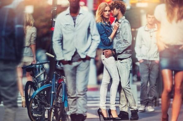 Изображение 18. S/S'11 Ad Campaign: Donna Karan, D&G, DKNY.. Изображение № 17.