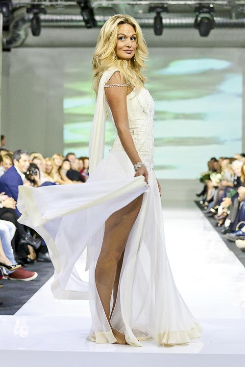 В рамках MBFW успешно прошел показ дизайнера Юлии Далакян. Изображение № 6.