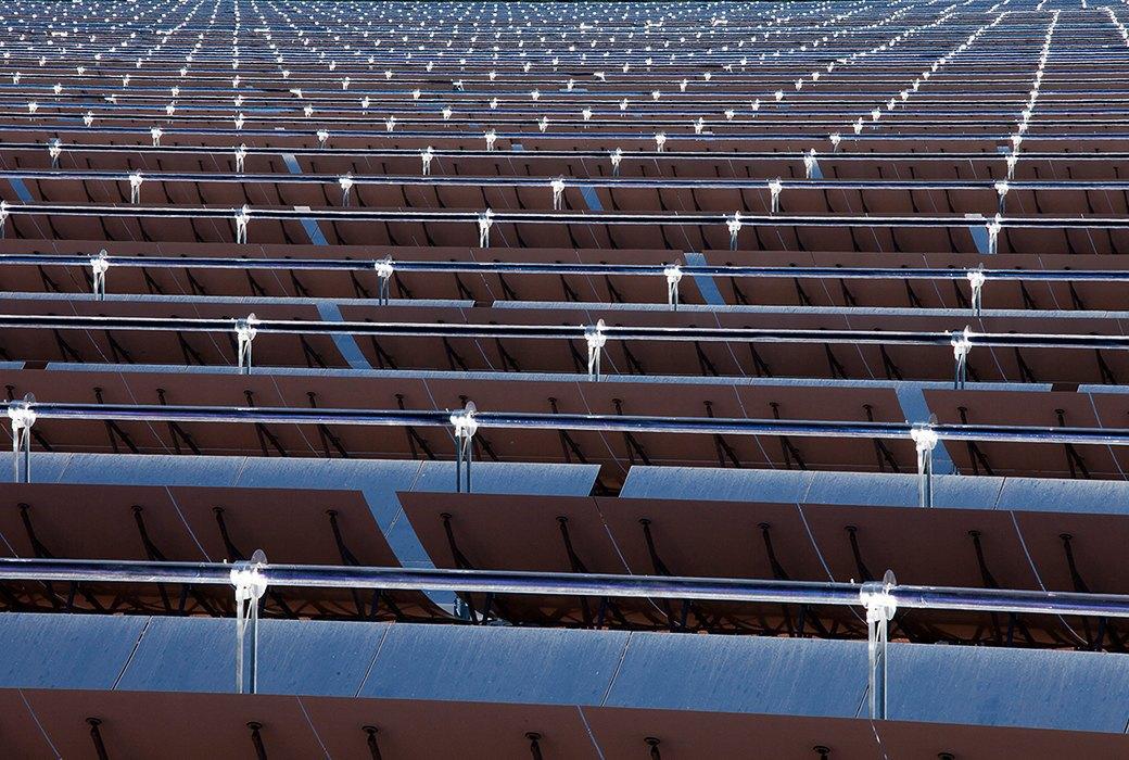 Как выглядит будущее: сотни гектаров солнечных ферм. Изображение № 9.