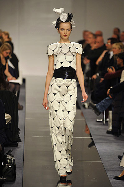 Chanel Spring 2009 Haute Couture. Изображение № 20.