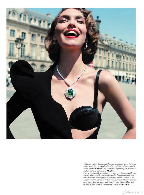 Съёмка: Аризона Мьюз для Vogue. Изображение № 10.