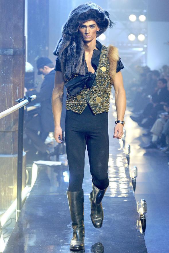 Джон Гальяно/ Осень-зима 2011/ Неделя моды в Париже. Изображение № 3.