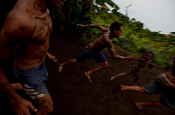 Папуа Новая Гвинея отБрента Стиртона. Изображение № 39.