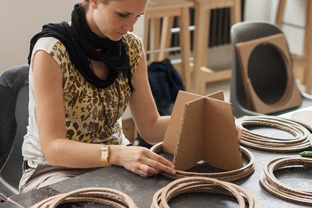 Как сделать из толстого картона абажур для лампы . Изображение № 21.