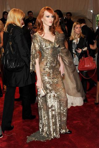 Изображение 13. 2011 MET Costume Institute Gala - Models style.. Изображение № 14.