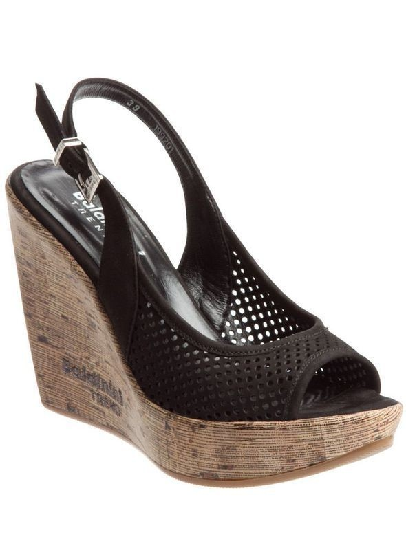 Изображение 36. Обувь: тренды лета 2011.. Изображение № 39.