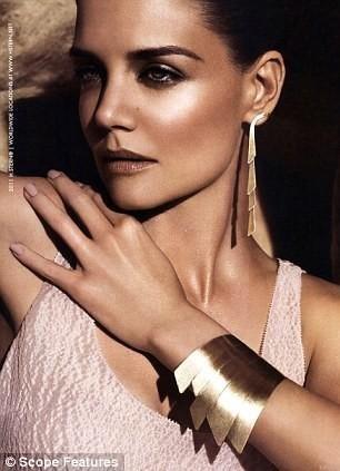 Кампании украшений: Dolce & Gabbana, Tiffany & Co и H. Stern. Изображение № 19.