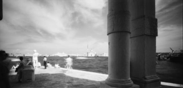 Невидимый мир на грани тепла и света. Выставка Арсена Ревазова. Изображение № 7.