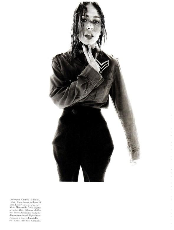 Съёмка: Ракель Зиммерманн для Vogue. Изображение № 15.
