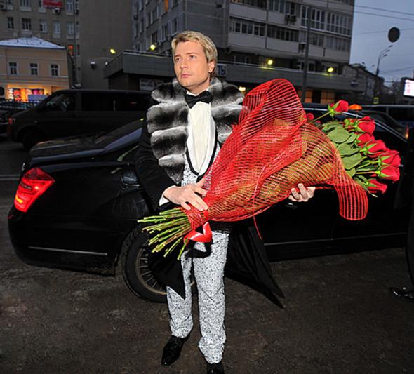 Звезды в изделиях от Модного Дома Игоря Гуляева. Изображение № 13.