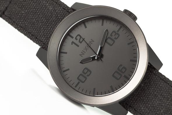 Финальная распродажа часовой марки NIXON.. Изображение № 10.
