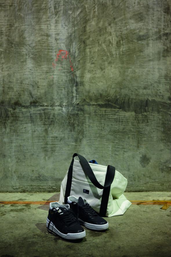 Лукбуки: Джереми Скотт и Дэвид Бекхэм для Adidas Originals. Изображение № 69.