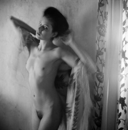 Части тела: Обнаженные женщины на фотографиях 1990-2000-х годов. Изображение №238.