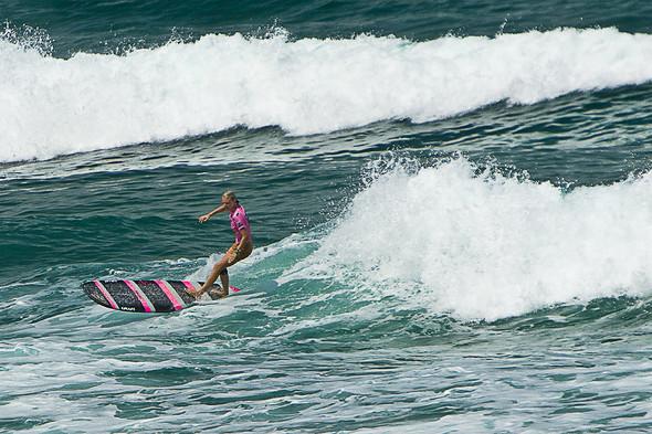 Roxy Jam: почему женский серфинг круче. Изображение № 16.