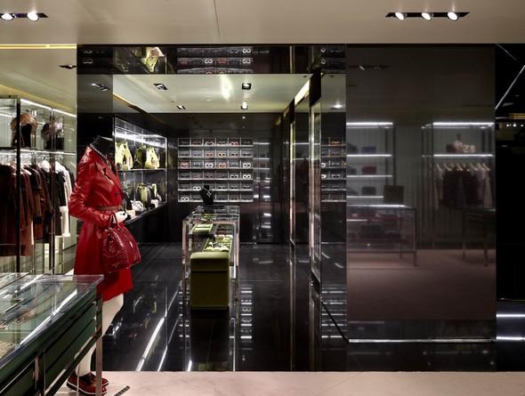 Новые магазины: Acne в Копенгагене, Dover Street Market в Токио и Prada в Москве. Изображение № 9.