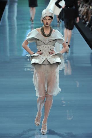 Футуристическая классика Dior. Изображение № 3.