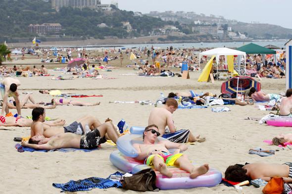 Фестиваль Benicassim в Барселоне: Ночные танцы, дни на пляже и алко-маршрут Хемингуэя. Изображение № 16.