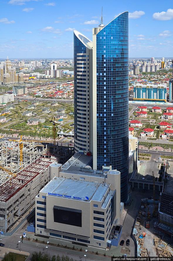 Изображение 12. Астана с высоты птичьего полета.. Изображение № 10.