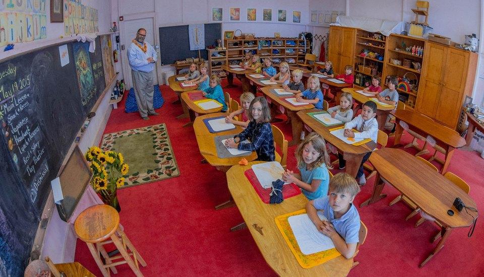 Как работают школы  без учителей, уроков  или экзаменов. Изображение № 2.