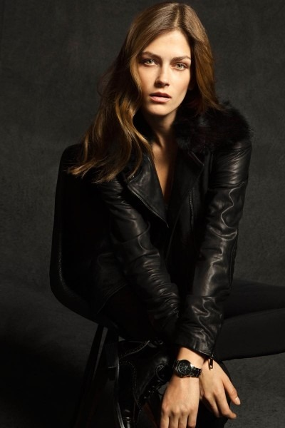 Лукбуки: H&M, Zara, Urban Outfitters и другие. Изображение №40.