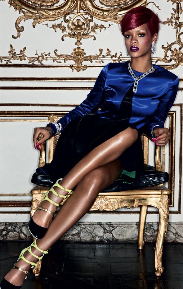 Rihanna в журнале Interview. Изображение № 8.