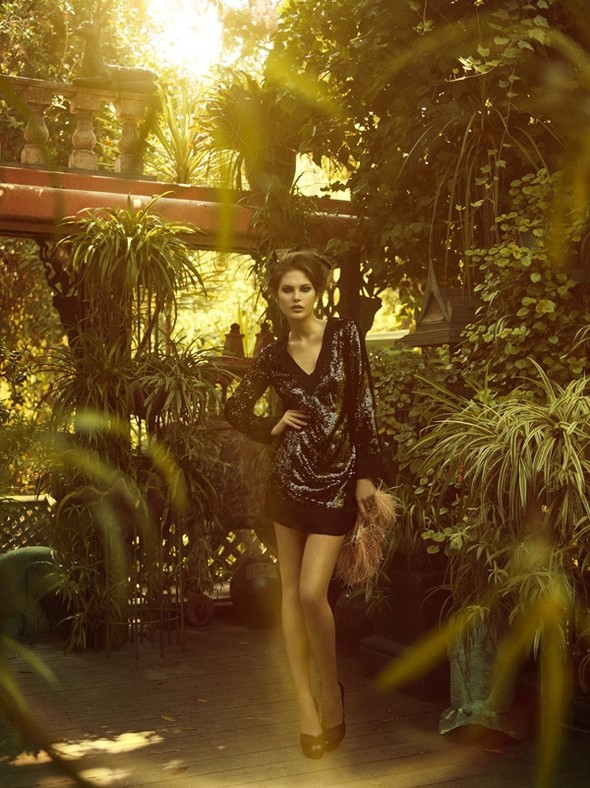 Vogue Italia October 2009. Изображение № 3.