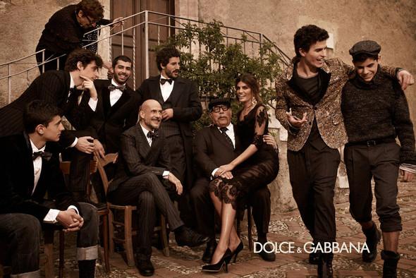 Кампании: Balenciaga, Celine, Dolce & Gabbana и другие. Изображение № 13.