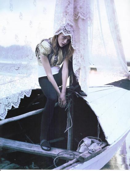 Magazine: Vogue UKJanuary 2007. Изображение № 2.