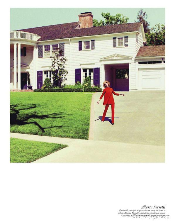 Съёмка: Аризона Мьюз, Лара Стоун, Наташа Поли и другие модели во французском Vogue. Изображение № 50.