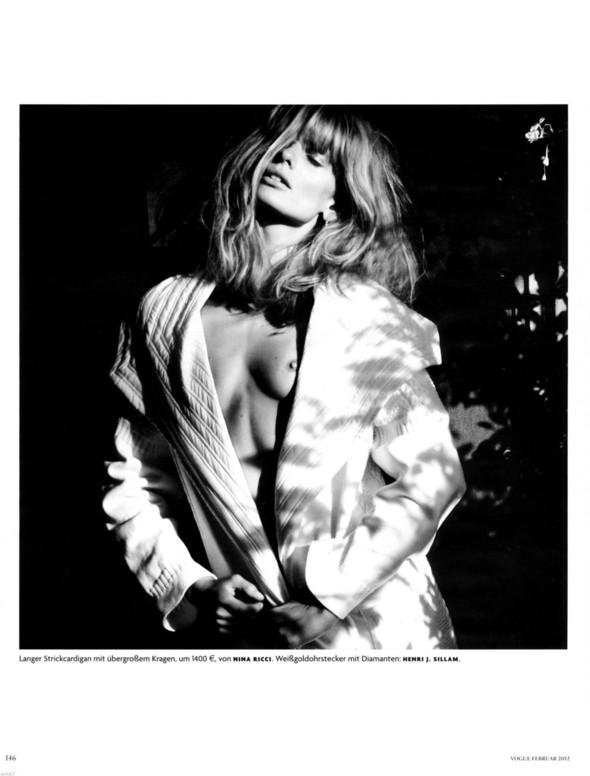 Съёмка: Юлия Штегнер для немецкого Vogue. Изображение № 2.