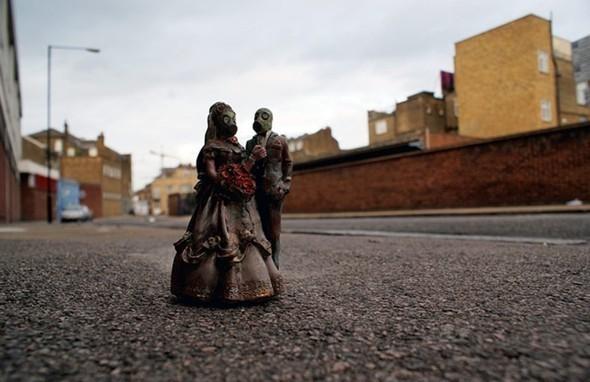 «Любовники» Айзек Кордал (Isaac Cordal), 2010. Изображение № 8.