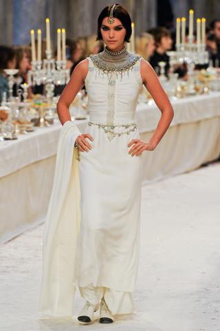 Chanel показали пре-осеннюю коллекцию. Изображение № 75.