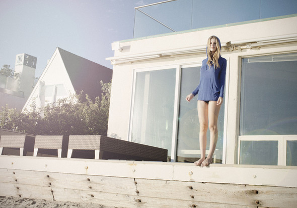 Там, где море встречается с небом. LNA Sping/Summer 2012. Изображение № 9.