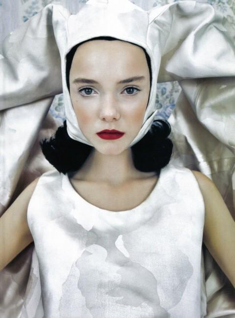 Neo-Romantic byEmma Summerton, Vogue Italia, june 2009. Изображение № 9.