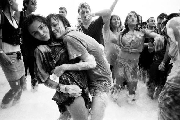 Прямая речь: Фотографы вечеринок о танцах, алкоголе и настоящем веселье. Изображение № 77.